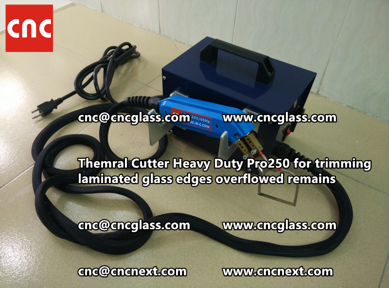 Hot knife heating cutter trimming laminated glass edges (102)